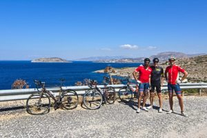 The crazy road cyclists going to Sounio