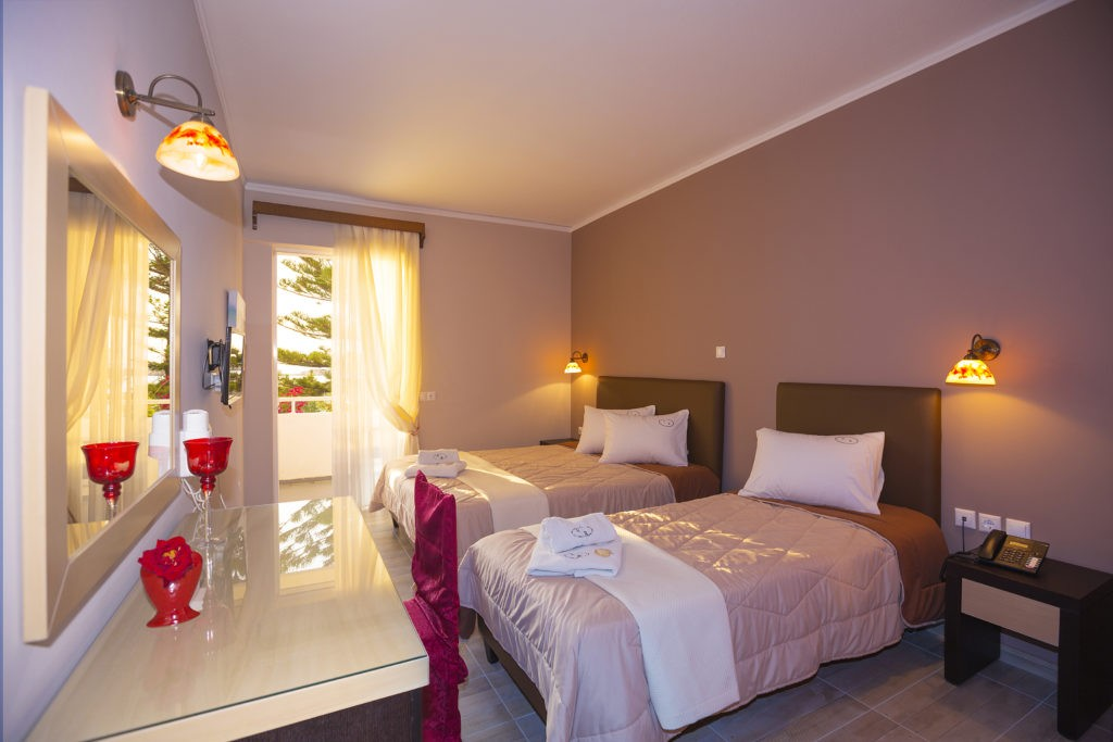 Kyparissia Beach Hotel Bedroom